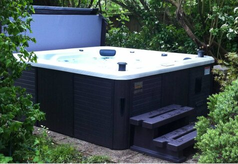 Premium Hot Tubs: Our Most Dependable Buys