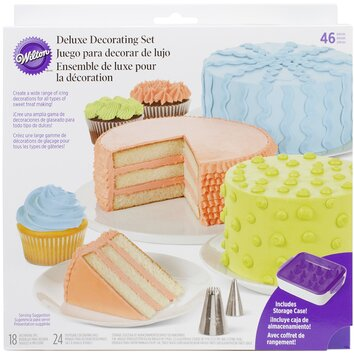 Wilton Deluxe Cake Decorating Set