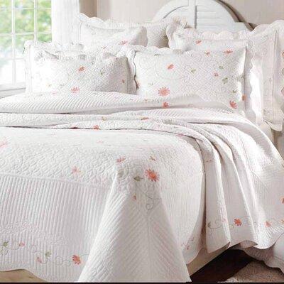 Textiles Plus Inc. Petals Quilt Set