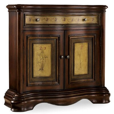 Seven Seas 2 Door / 1 Drawer Shaped Hall Chest by Hooker Furniture