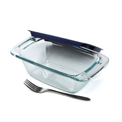 Pyrex Easy Grab 1.5 Qt. Loaf Dish with Plastic Cover