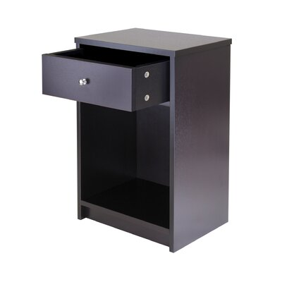 Winsome Squamish End Table