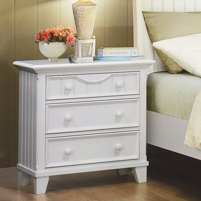 Woodhaven Hill Alyssa 3 Drawer Bachelor's Chest