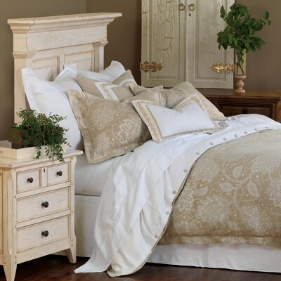 Eastern Accents Aileen Duvet Cover Collection