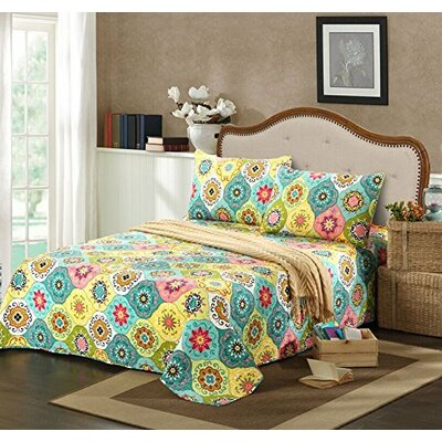 Geo Spring Flower Bedspread Set by Tache Home Fashion