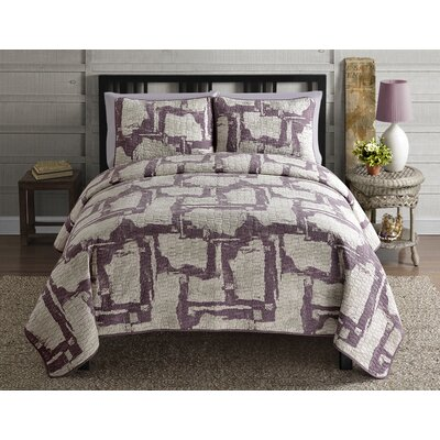 Intrigue 3 Piece Quilt Set by VCNY