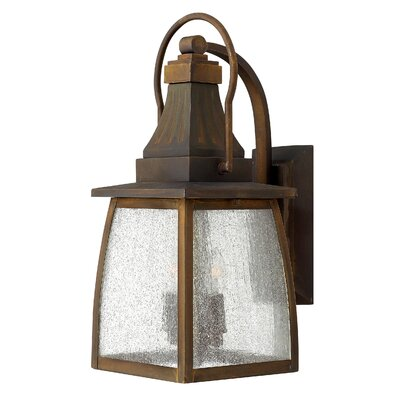 Hinkley Lighting Montauk 2 Light Wall Lantern