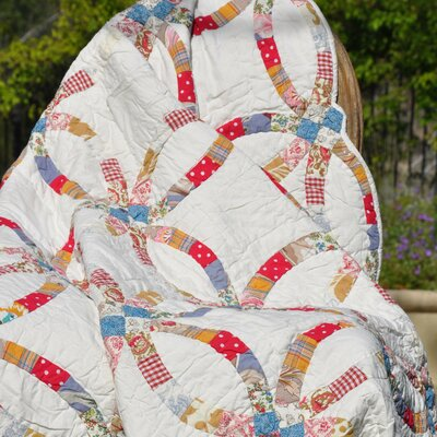 Amity Home Wedding Ring Throw Quilt
