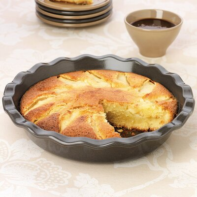 "Emile Henry Pie Dish 9"""