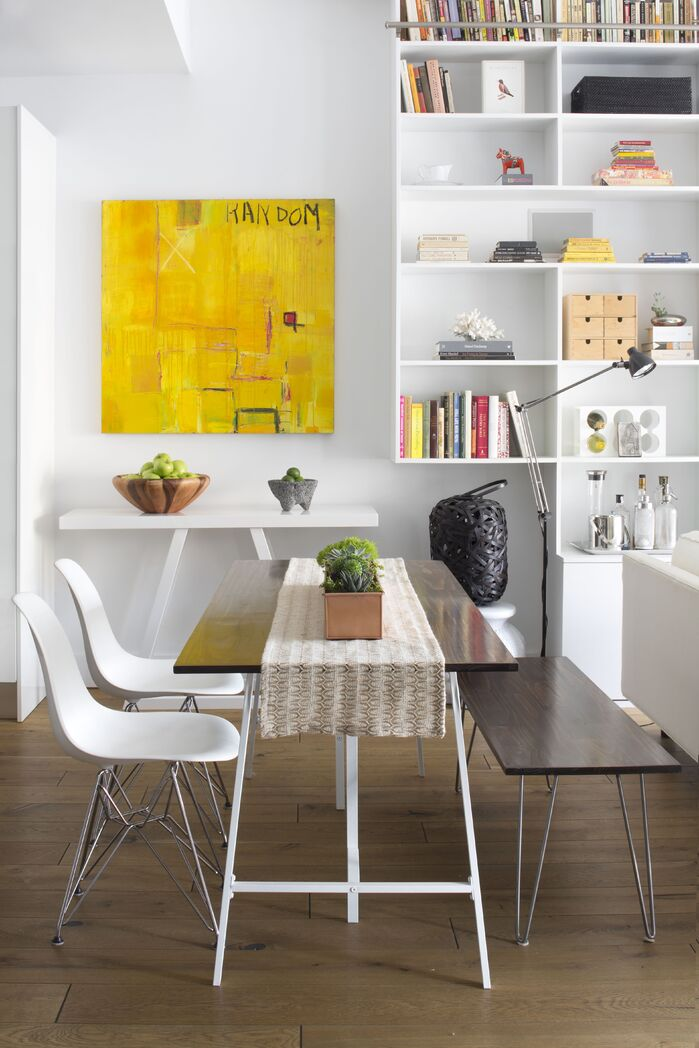 Modern Dining Room photo by Decor Aid