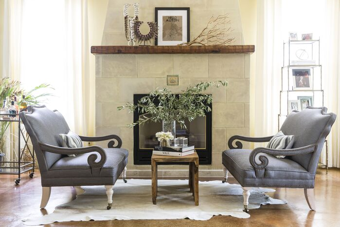 Traditional Living Room photo by Maureen Stevens Design