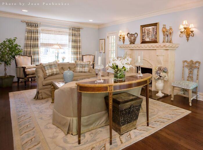 Traditional Living Room photo by Paula Caponetti Designs LLC