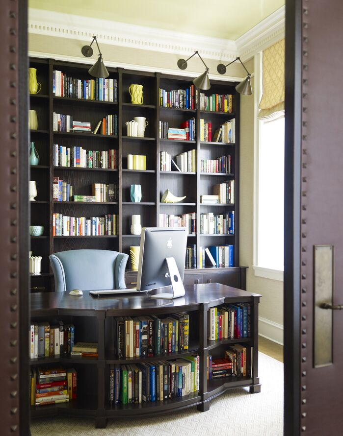 Traditional Home Office photo by Mendelson Group