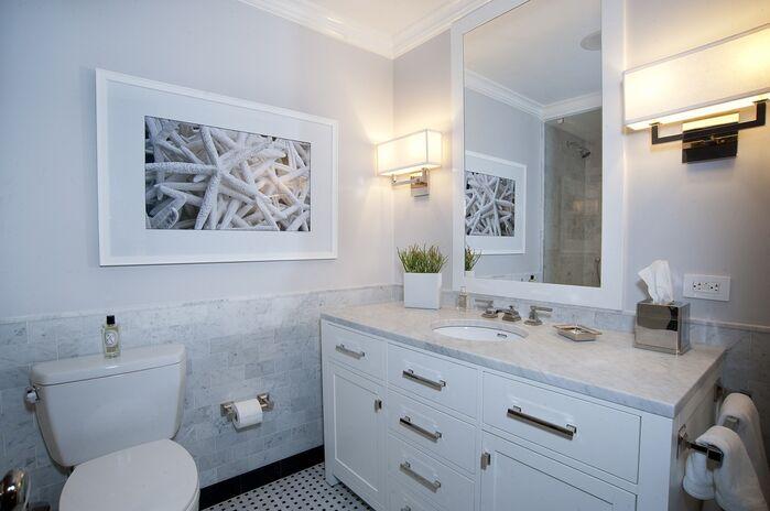 Contemporary Bathroom photo by Benjamin Cruz Designs