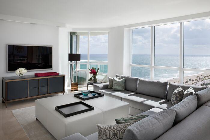 Contemporary Living Room photo by Benjamin Cruz Designs