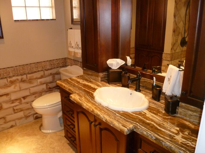 Traditional Bathroom photo by Artistic View, Inc.