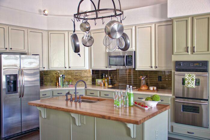 Cottage/Country Kitchen photo by Daystar Design Lab