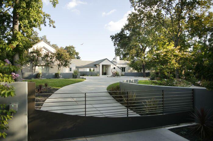 Modern Exterior/Patio photo by Benning Design