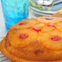 slow cooker pineapple upside down cake
