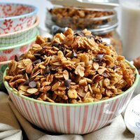 slow cooker salted caramel almond granola
