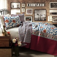 Scroll Flower 3 Piece Quilt Set