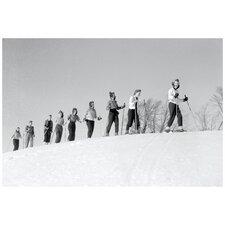 Jeunes Femmes EN Ski a Saint-Sauveur Photographic Print