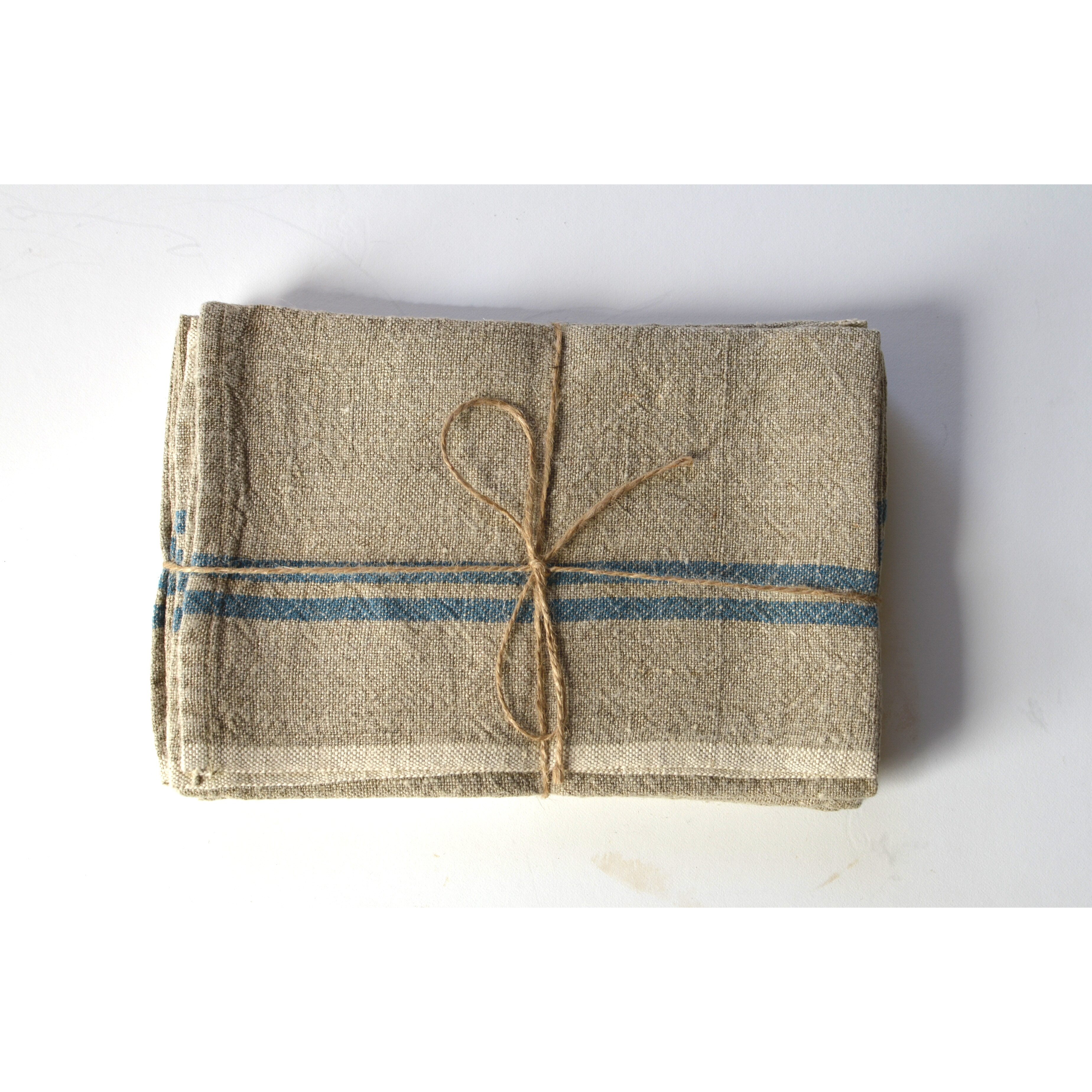 Vintage Towels: Vintage Linen Hand Towel