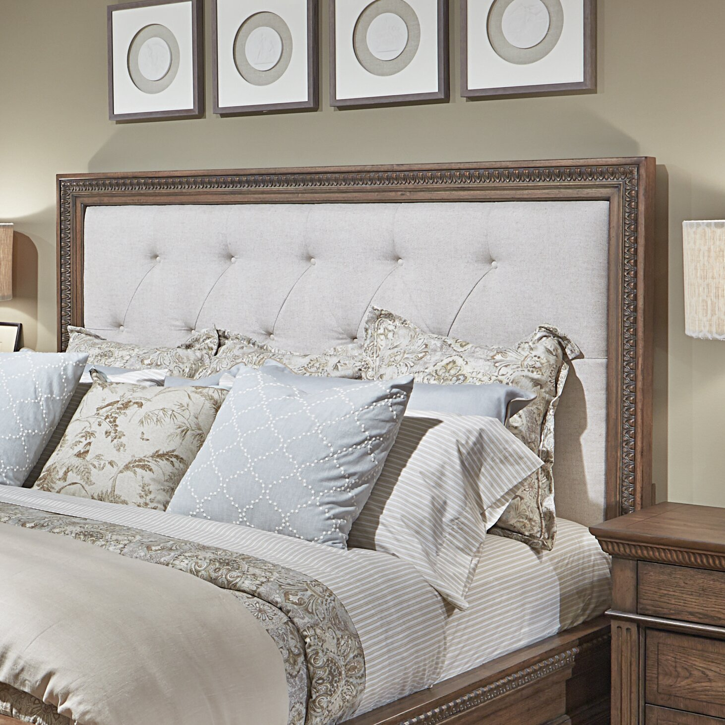 Legacy Classic Renaissance King Upholstered Bed