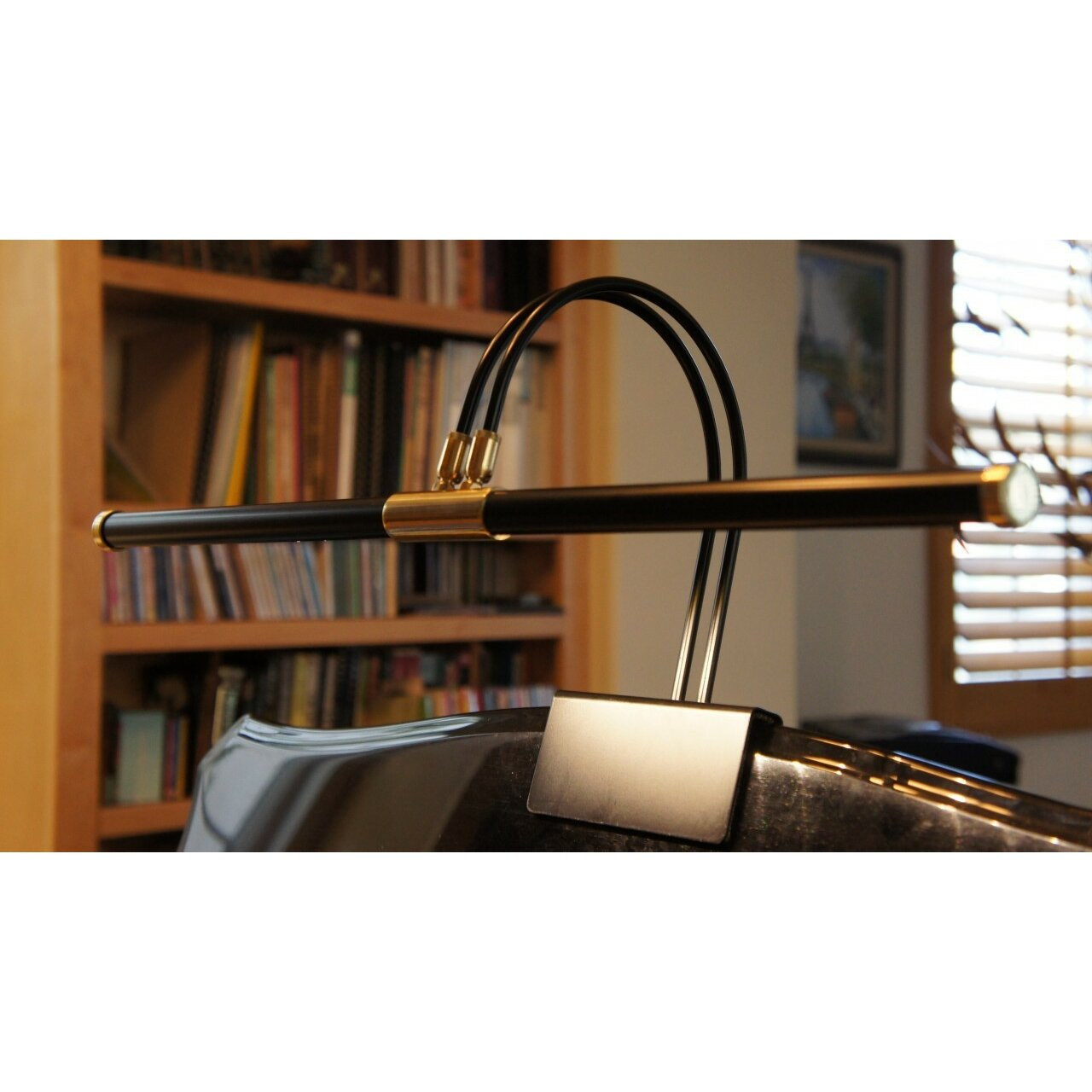 cocoweb cocoweb 22 clip on led grand piano lamp in black. Black Bedroom Furniture Sets. Home Design Ideas