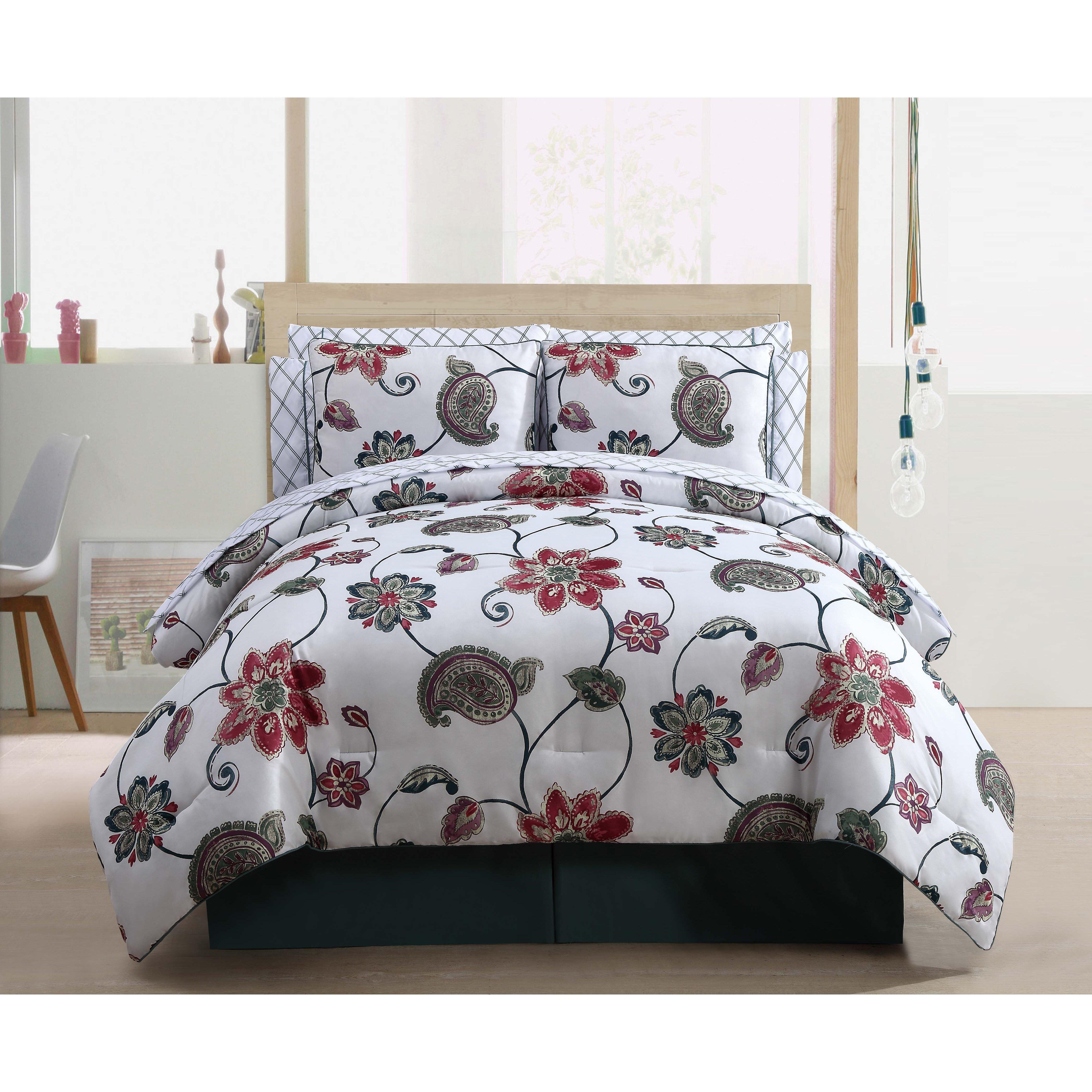 Ariana Piece Reversible Comforter