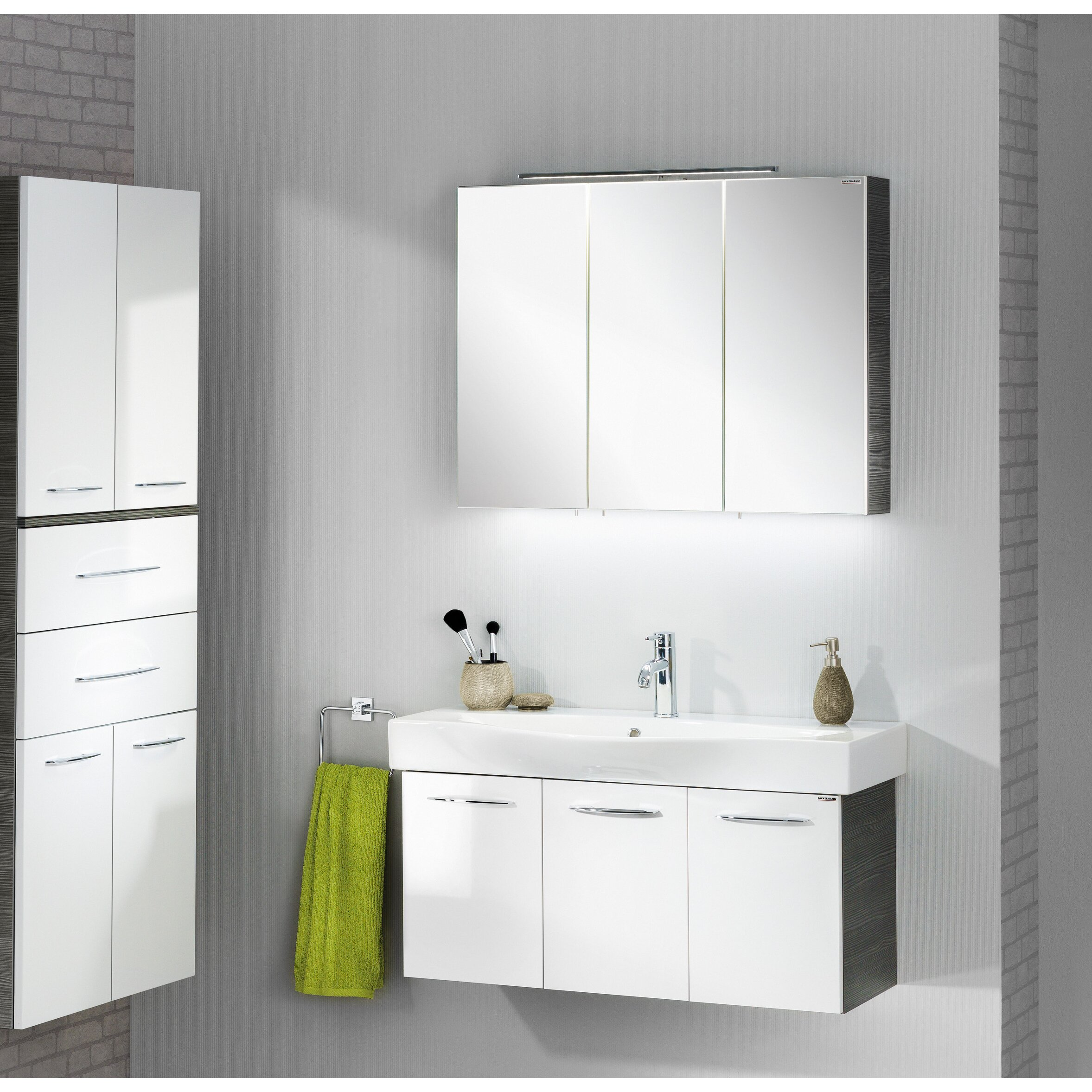 90 x 68 cm spiegelschrank vadea von fackelmann. Black Bedroom Furniture Sets. Home Design Ideas