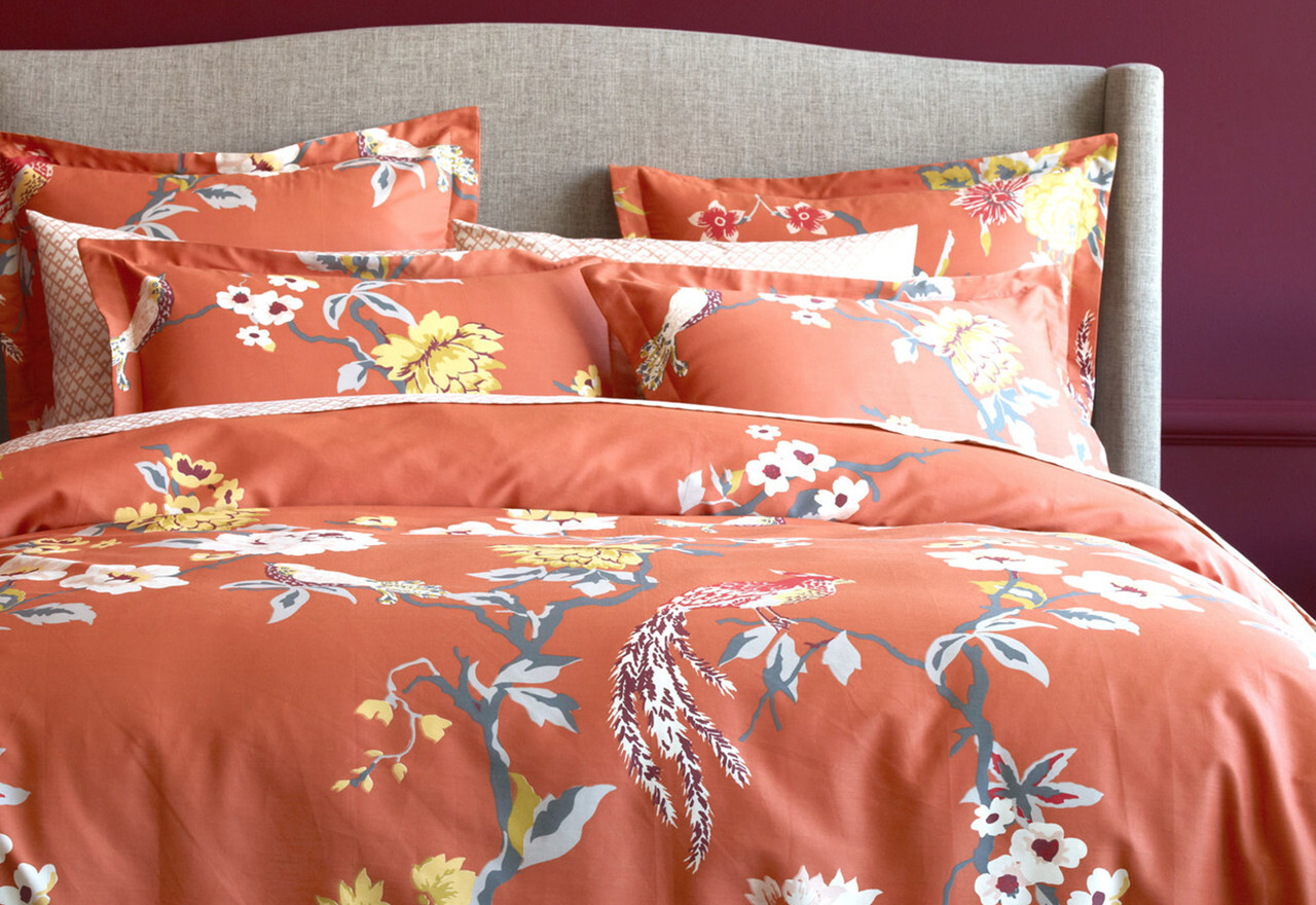 Paradise Found: Tropical Bedding